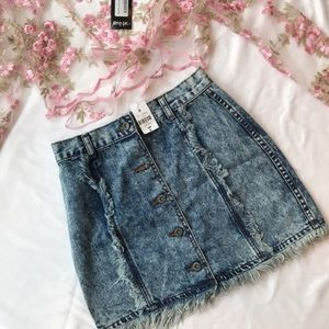 NWT LF Carmar denim button down skirt